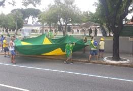 EM JOÃO PESSOA: Grupo faz carreata em apoio ao presidente Jair Bolsonaro – VEJA VÍDEOS