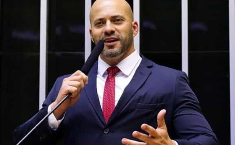 daniel - Preso há 20 dias, Daniel Silveira prepara defesa para evitar cassação