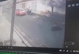 Câmera de segurança registra homem sendo executado com pelo menos 16 tiros
