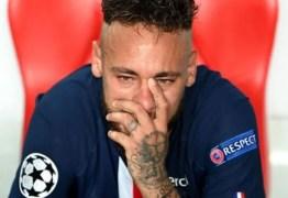 Neymar não se recupera de lesão e desfalca PSG contra o Barcelona