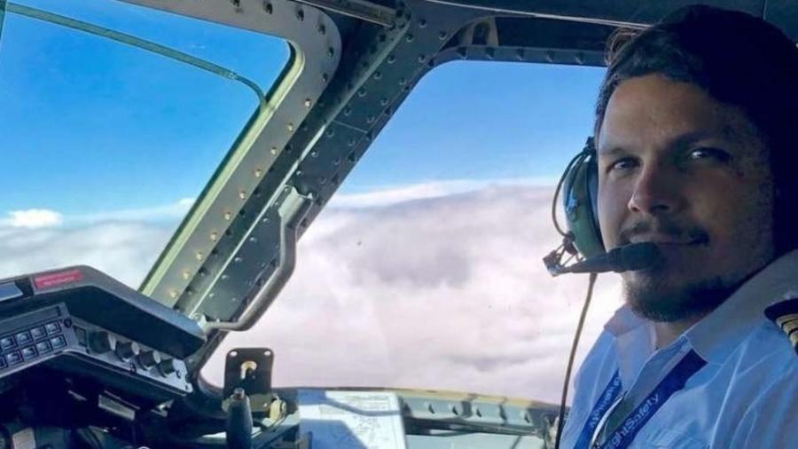 o piloto antonio sena foi localizado e resgatado com vida em uma area da mata localizada entre os municipios de alenquer e almerim no para 1615080006271 v2 900x506 - Piloto sobrevive por 36 dias na mata após queda de avião e é resgatado com vida