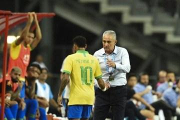 Tite exalta recente evolução de Neymar: 'Aumentou seu arsenal'