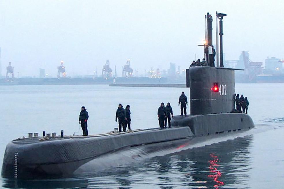 000 98g229 1  - Oxigênio de submarino que sumiu com 53 a bordo pode acabar amanhã