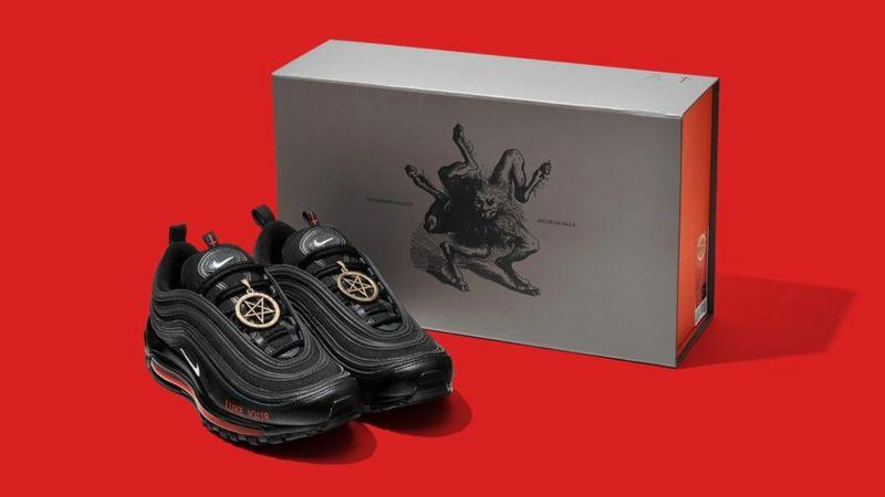 117751676 satan shoes2 - Nike processa artistas por 'tênis do Satanás' com sangue humano
