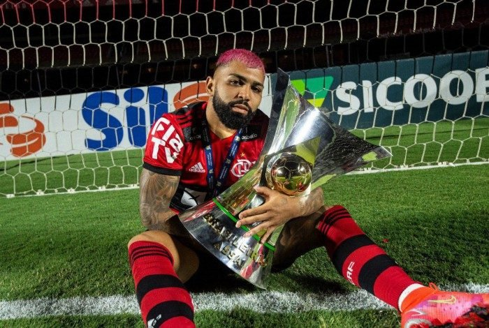 1 evlkjtgxcauxipi 21302102 - Narrador diz que Gabigol está acima de Petkovic e Adriano: 'Primeira prateleira do Flamengo'