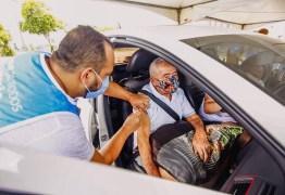 Pessoas com 76 anos ou mais podem tomar a 2ª dose da vacina neste domingo em João Pessoa; confira os locais