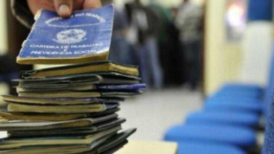 7c4h8jm1f8e45xlg94vgrma3r - Brasil tem quase 5 mil vagas de concurso público; salários vão até R$ 32 mil