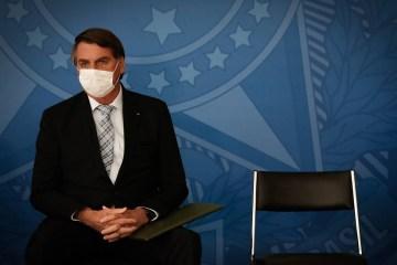 91954860 PA Brasilia BSB 10 03 2021 O presidente da Republica Jair Bolsonaro sanciona nesta quar - Após atraso em vacinação, Bolsonaro aposta em tratamentos sem comprovação