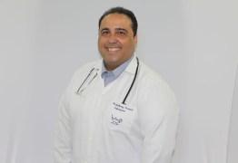 Morre vítima da covid, Anthony Ferrari, enfermeiro conhecido por receitar tratamento precoce e criticar vacina