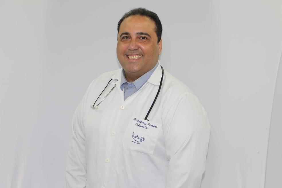 Anthony - Morre vítima da covid, Anthony Ferrari, enfermeiro conhecido por receitar tratamento precoce e criticar vacina