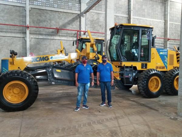 Capa686 - Prefeitura de Cajazeiras anuncia aquisição de máquina motoniveladora através de parceria com o deputado Wellington Roberto