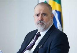 GESTÃO NA PANDEMIA: Cármen Lúcia pede que STF julgue queixa contra Bolsonaro por genocídio