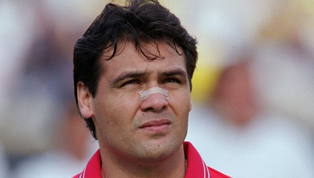 Capturar 44 - Adversário do Corinthians é lanterna no Paraguai e vai estrear ex-parceiro de Gamarra como técnico