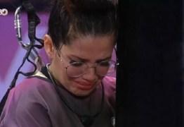 Após 5 horas de prova, Juliette chora e reclama de labirintite: 'Atacando'