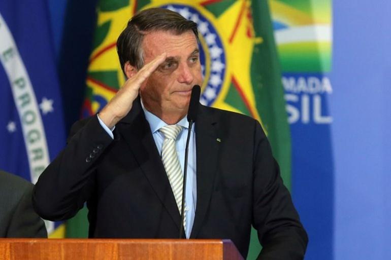 Jair Bolsonaro - Bolsonaro ameaça acionar Forças Armadas contra medidas de governadores