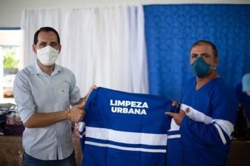 PREFEITURA PRINCESA ISABEL 02 800x533 1 - Prefeitura de Princesa Isabel entrega EPI's a funcionários da Seinfra