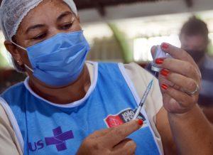 VACINACAO IFPB FOTOS KLEIDE TEIXEIRA 06 1 300x218 1 - João Pessoa inicia vacinação do público 48+ e segue com segunda dose neste sábado (19)