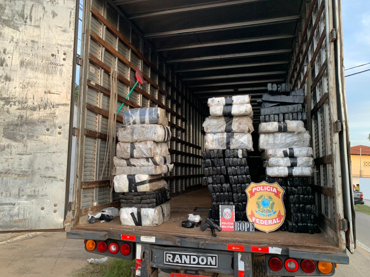 WhatsApp Image 2021 04 06 at 18.10.43 2 - PF apreende caminhão com 200 quilos de drogas em Cachoeira dos Índios