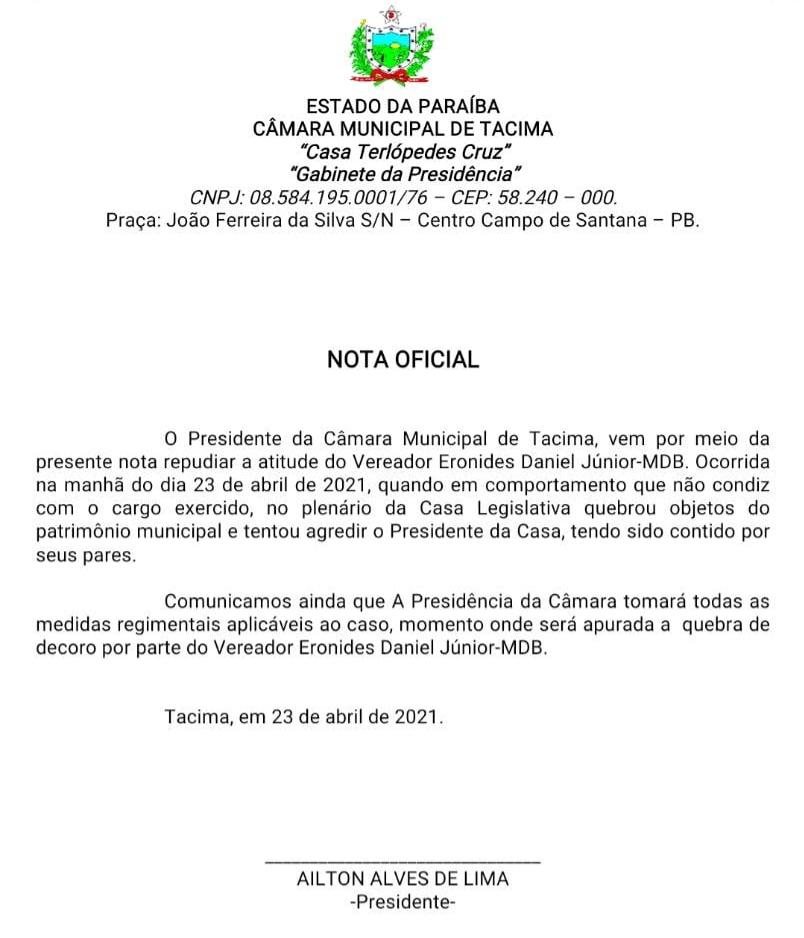 WhatsApp Image 2021 04 23 at 13.03.55 2 - CONFUSÃO E GRITARIA: durante sessão na Câmara Municipal de Tacima, vereador se altera, quebra objetos e parte para cima do presidente - VEJA VÍDEO