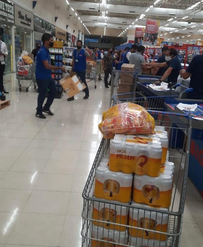WhatsApp Image 2021 04 23 at 15.03.43 1 - AGLOMERAÇÃO EM JP: Supermercado decide baixar o preço de bebidas e provoca fila gigantesca - CONFIRA