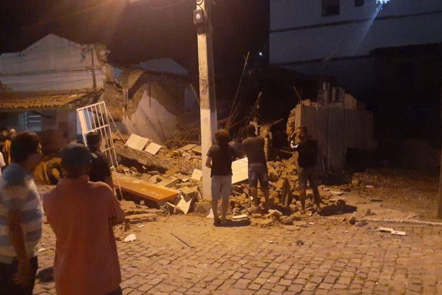 banco no junco - VIOLÊNCIA NA PB: Bandidos explodem agência do Banco Bradesco no Junco do Seridó
