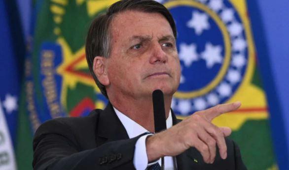 """boso - Bolsonaro volta a falar em """"meu exército"""", após mudanças nas Forças Armadas"""
