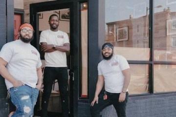 Amigos de infância abrem pizzaria que emprega exclusivamente ex-presidiários
