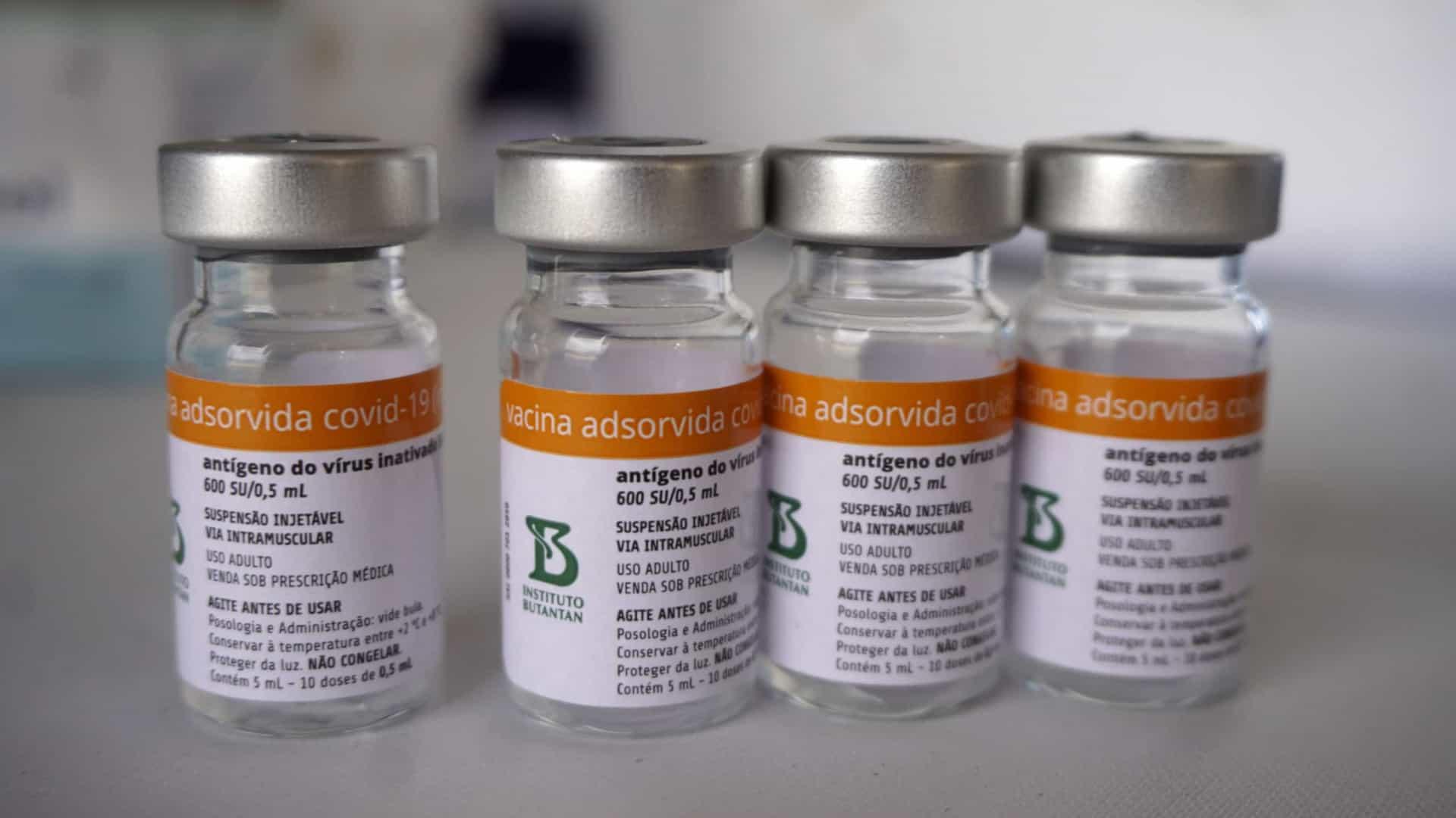 naom 606f302404d0f - Conmebol receberá 50 mil doses da Coronavac e quer imunizar jogadores