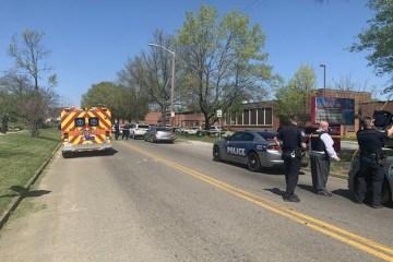 tiroteio escola - ATAQUE: tiroteio em escola de ensino médio dos EUA deixa feridos