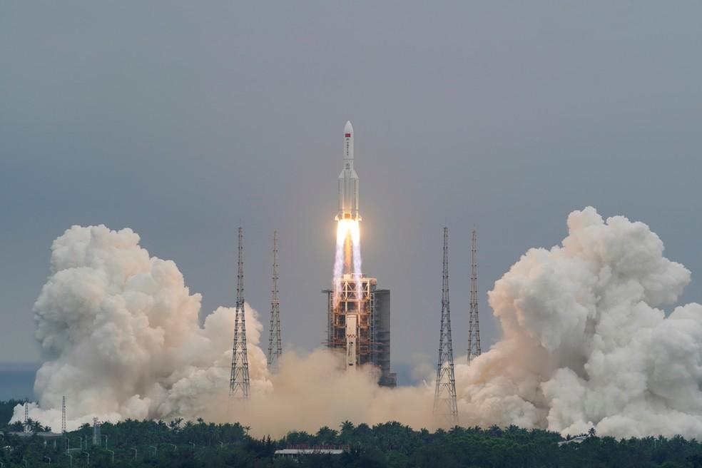 2021 05 05t160400z 1781140956 rc2s9n96k923 rtrmadp 3 space exploration china rocket - Destroços de foguete chinês cairão no sábado na Terra; impacto pode ocorrer sobre território dos EUA