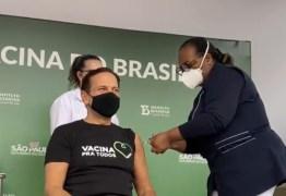 Doria é vacinado em São Paulo por 1ª brasileira a ser vacinada, Monica Calazans