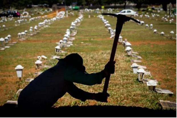 Capturar 121 - Brasil ultrapassa 16 milhões de casos e 448 mil mortes