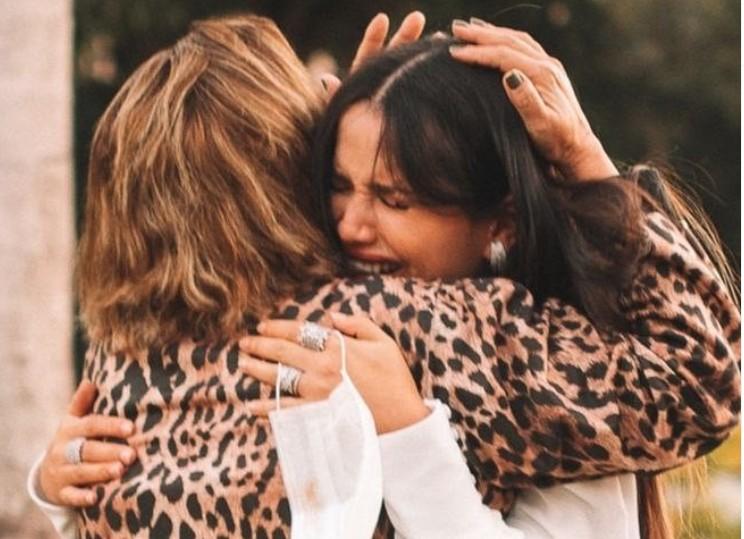 """Capturar 22 - Juliette se emociona ao reencontrar a mãe: """"O grande encontro com Mainha"""""""