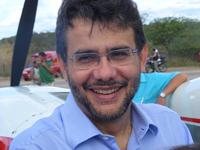 """Carlos Antonio - Ex-prefeito de Cajazeiras Carlos Antônio reafirma voto com João Azevedo mas descarta palanque com Zé Aldemir: """"É incompatível"""""""