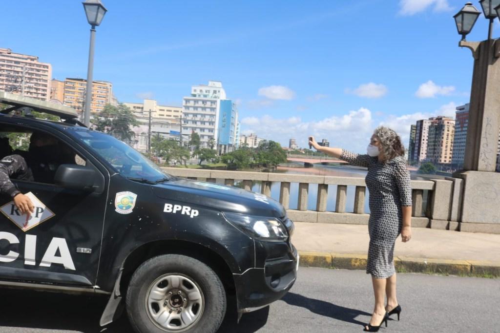 E2kd1ZPXwAA1Fok.jpgss  1024x682 - SPRAY DE PIMENTA: 'Não me arrependo por um segundo', diz vereadora Liana Cirne após ser agredida por policial - VEJA VÍDEO