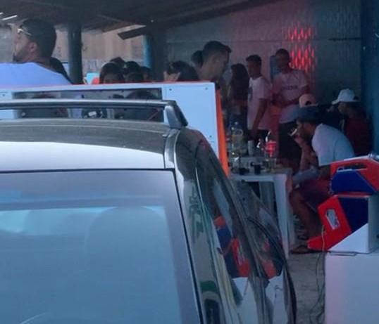FESTA - AGLOMERAÇÃO! Polícia Militar encerra festa clandestina na cidade de Juazeirinho