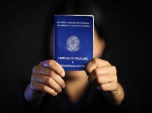 ctps 300x223 - Desemprego atinge 46,3% entre os mais jovens, aponta IBGE