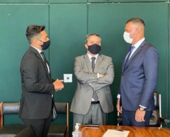 efraim filho - Efraim Filho recebe prefeito e representantes de Sapé em Brasília, e discutem novos investimentos para a cidade