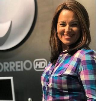 glaucia araujo 1 - SOLTEIRAS, BEM SUCEDIDAS E COBIÇADAS: Jornalistas da Paraíba fazem sucesso e se tornam as comunicadoras mais desejadas do estado