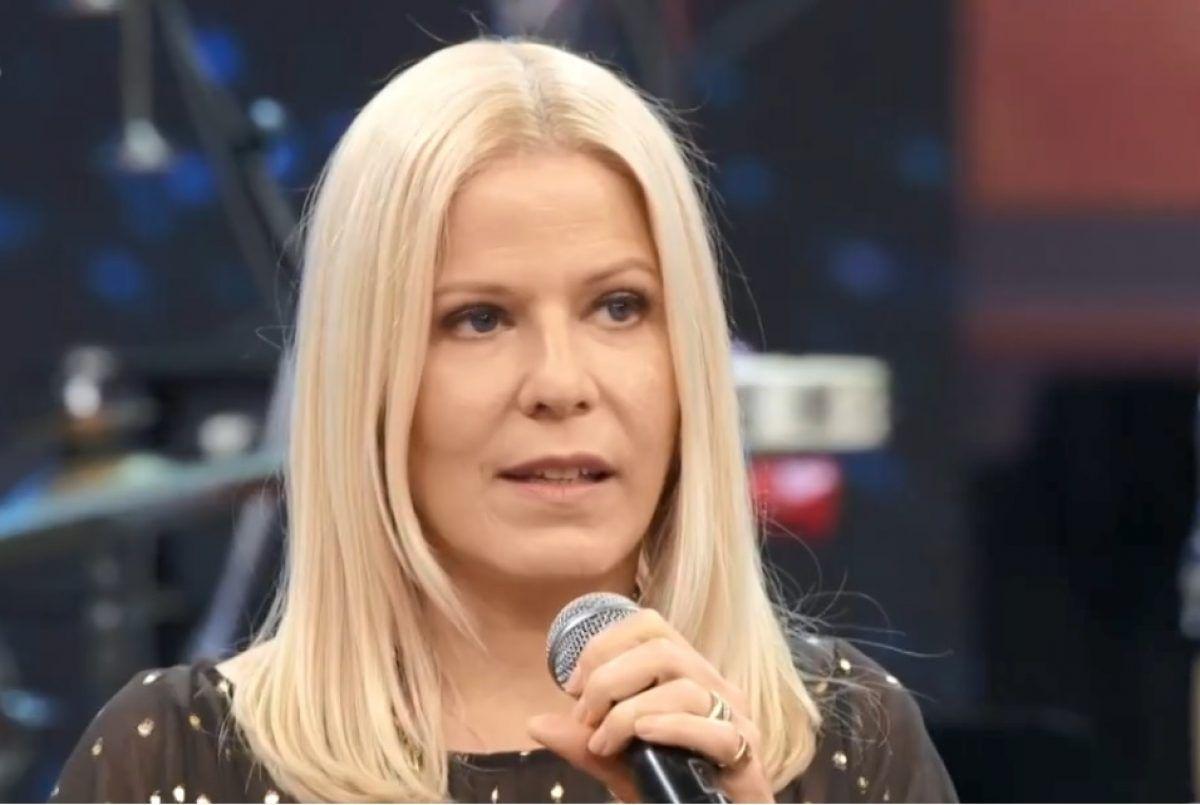mae de paula toller e encontrada morta dentro de casa no rio - Mãe da cantora Paula Toller é encontrada morta em casa, no Rio
