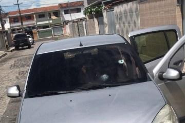 BRIGA DE TRÂNSITO: motorista de aplicativo tem carro alvejado por tiros em João Pessoa – VEJA VÍDEO