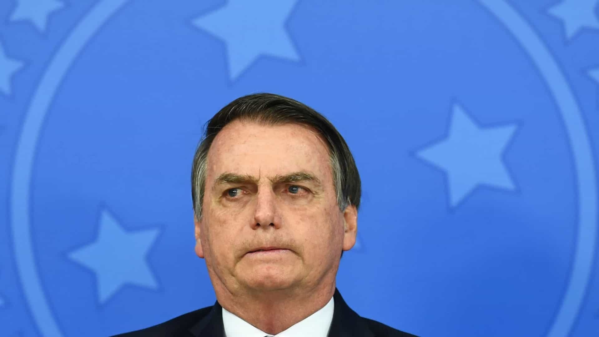 naom 60812667006f8 - Personalidades protocolam pedido de impeachment de Bolsonaro