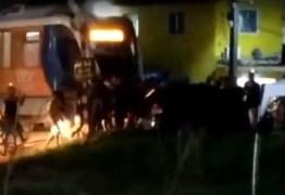ACIDENTE: Trem e carro colidem nas proximidades do Jacaré, em Cabedelo