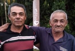 30 ANOS DE BUSCA: homem reencontra pai após envelhecer foto em aplicativo