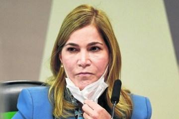 "1 pri 2605 0201 24cm cor 6676304 - ""Capitã Cloroquina"", Mayra Pinheiro é vacinada contra Covid-19"
