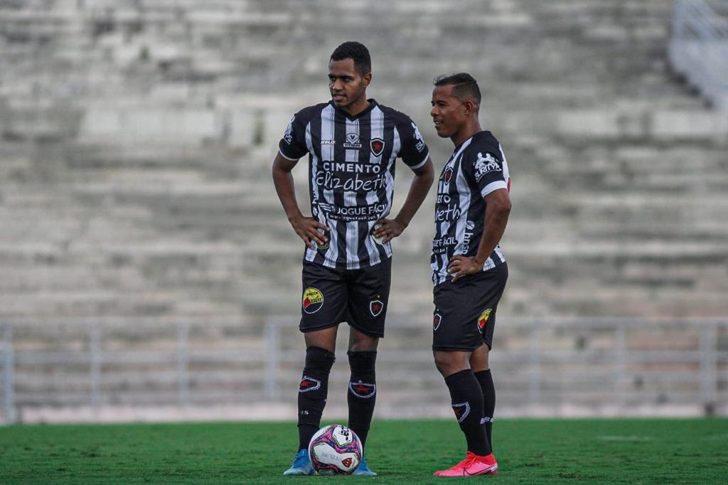 5f4a1cba115e0ced49dfda79214c9612 - Com promessa de novas contratações, Botafogo-PB dispensa oito jogadores
