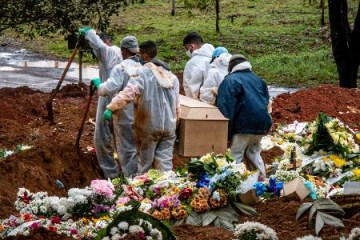 7 - Covid: Brasil registra 2.760 novas mortes e ultrapassa 490 mil óbitos