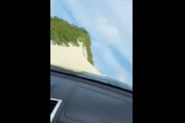 CAPOTAMENTO - Passageiros registram capotamento de carro em duna durante passeio no litoral do RN; VEJA VÍDEO