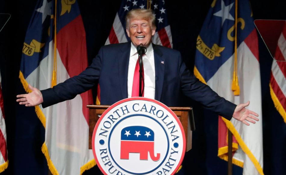 """Capturar 15 - Trump prepara a batalha às eleições legislativas de 2022: """"Estão destruindo os EUA"""""""