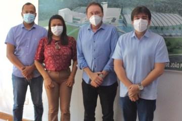 Eduardo Carneiro e prefeita Adelma se reúnem com Desdete Queiroga e conseguem melhorias para infraestrutura de rodovias em Pitimbu